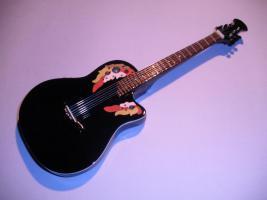 Miniaturgitarre – Melissa Etheridge Ovation Black