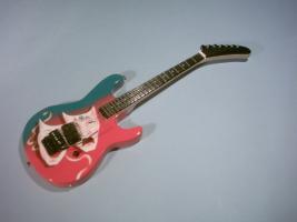 Miniaturgitarre – Motley Crue - Theater Baretta