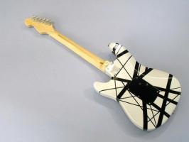 Foto 2 Miniaturgitarre – MusicMan Eddie Van Halen VH1
