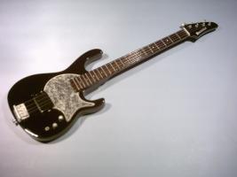 Miniaturgitarre – Red Hot Chili Peppers – Flea's Modulus Bass