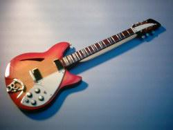 Miniaturgitarre – Rickenbacker 330 Electric Guitar