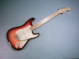 Miniaturgitarre - Fender Stratocaster Sunburst
