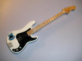 "Miniaturgitarre - Steve Harris ""west ham united"" guitar"