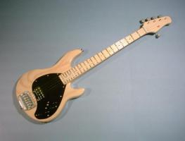 Miniaturgitarre - Sting MusicMan Stingray