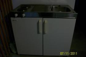 Foto 2 Miniküche mit Hängeschrank