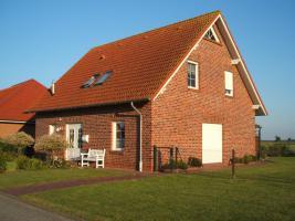 Foto 2 Mit Blick nach Emden
