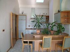 Foto 3 Mithause 5 Wohnungen und 2 Gewerbe mit viele Nutzung