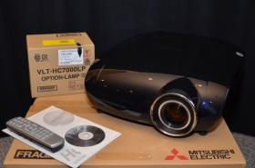 Mitsubishi HC7000 LCD Projektor