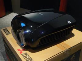 Foto 3 Mitsubishi HC7000 LCD Projektor