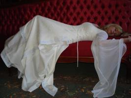 Mittelalterliches Brautkleid
