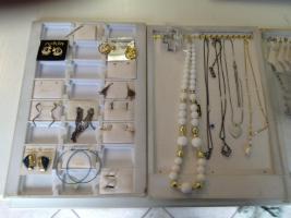 Mode und Designer Schmuck mehr als 500 Teile ''NEU''