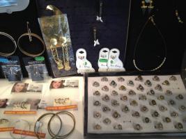 Foto 3 Mode und Designer Schmuck mehr als 500 Teile ''NEU''