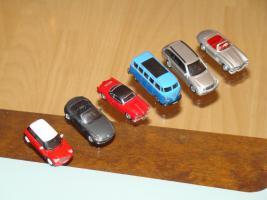 Foto 2 Modellautos verschiedene und Flieger aus Metall