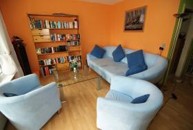 Moderne Couch-Garnitur