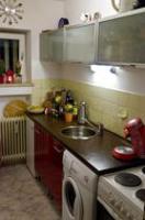 Moderne Rote Küchenzeile