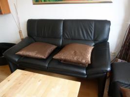 Foto 3 Moderne-Schwarze-Leder-Couchgarnitur