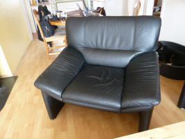 Foto 4 Moderne-Schwarze-Leder-Couchgarnitur