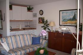Foto 3 Moderne Single Wohnung mit Balkon