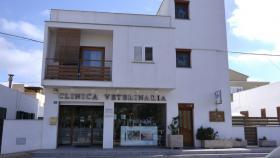 ModerneTierpraxis / Tierklinik auf Formentera (Spanien) abzugeben.
