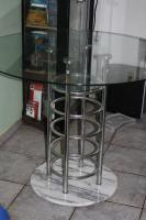 Moderner Esszimmer-Glastisch sucht neues Umfeld