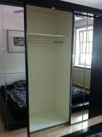Foto 2 Moderner und edler Schlafzimmerschrank/Kleiderschrank