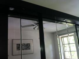 Foto 4 Moderner und edler Schlafzimmerschrank/Kleiderschrank