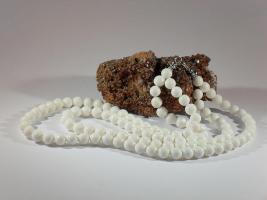 Modeschmuck - Elegante Koralle-Halskette weiss, Unikat