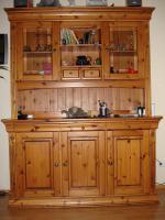 Foto 2 Möbel aus Kiefer und Regalwand