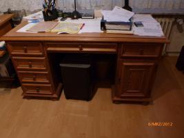 Foto 3 M�bel (Wohn-/Arbeitszimmer) zu verschenken