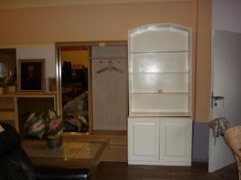 Foto 3 Möbel finden Sie in der Stemmer Trödel Halle Minden