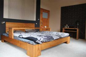 Foto 6 Möbel aus massivem Holz