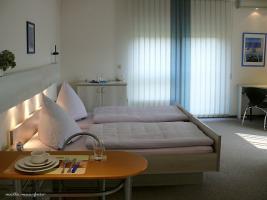 Möblierte 1 Raum Wohnung mit Balkon