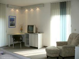 Foto 3 M�blierte 1 Raum Wohnung mit Balkon