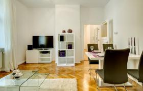 Möblierte 2,5-Zimmer Wohnung (Exklusive Designs und hoher Komfort)