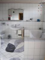 Foto 6 M�blierte 85-qm-Wohnung D�sseldorf-M�nchengladbach