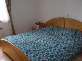 Schlafzimmer (Teilansicht)