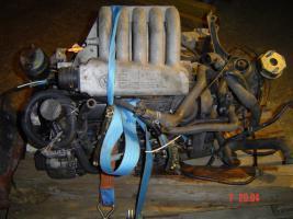 Foto 3 Motor / Getriebe  VW T4 Diesel 2,4 l   aus BJ 2002 - 172000 Km