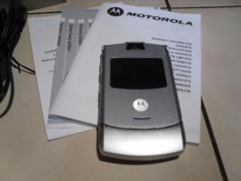 Foto 3 Motorola MOTORAZR V3 Silver Simlockfrei Klapphandy