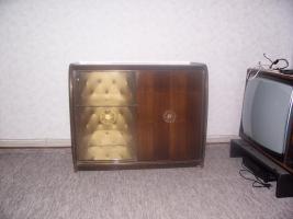 Foto 2 Musikschrank ca. 60 Jahr alt Eiche-Nussbaumfurnier