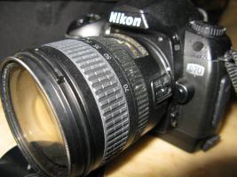 Foto 2 NIKON D70,  CCD Bildsensor im DX Format.