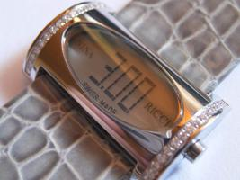 NINA RICCI Damen Diamantuhr LCD