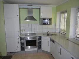 NOLTE Einbauküche in Hochglanz weiss und NEFF Geräten - 4 Jahre alt - wg. Umzug zu verkaufen