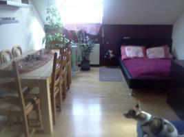 Foto 3 Nachmieter zum 1.06. für schöne 2 Zimmer Dachgeschoß Wohnung 58qm Preis: 310 EUR