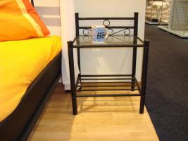nachttisch schwarz metall glas neu und ovp von privat. Black Bedroom Furniture Sets. Home Design Ideas