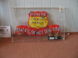 Neondisplay in Acrylglasgehäusen route 66 hot dog bar  groß selten schön
