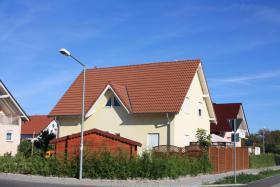Foto 2 Netts Kindrfreundliches Häuschen zu Verkaufen