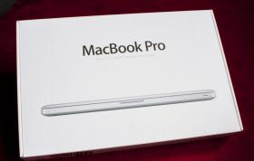 Foto 4 Neu Apple MacBook Pro 15.4 Zoll , 2.4  GHz i5 , 320 Gb