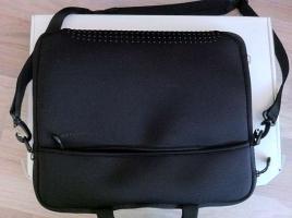 Foto 2 Neu Apple MacBook Pro 15.4 Zoll , 2.4  GHz i5 , 320 Gb