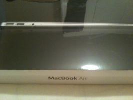 Neu & versiegeltes Macbook Air (neustes Modell) mit 256 Gb SSD + Rechnung von Media Markt