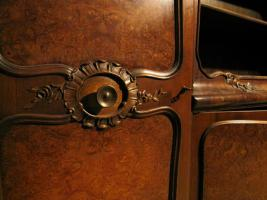 Foto 2 Neubarocker Wohnzimmerschrank